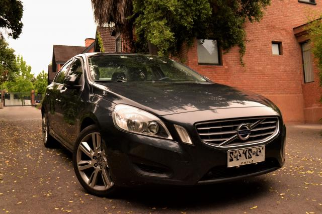 VOLVO S60  S60 T5 PLUS FULL 2012