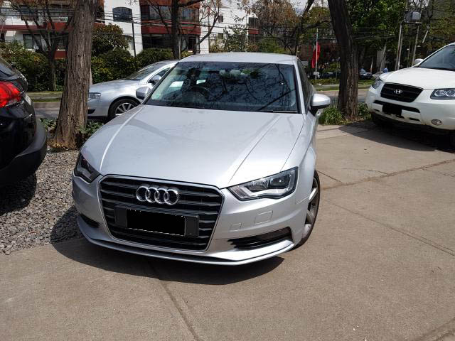 AUDI A3  SDN ATTRACTION TFSI STRONIC 2014