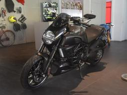 DUCATI DIAVEL CARBON x 2012