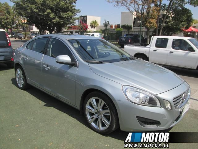 VOLVO S60  2.0 T5 CONFORT 63.700 KMS 2012