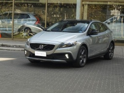 VOLVO V40  CROSS COUNTRY T5 LIMITED 2016