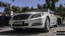 Automóvil MERCEDES BENZ E 350 BLUE EFFICIENCY ELEGANCE 2012 - Autos Usados