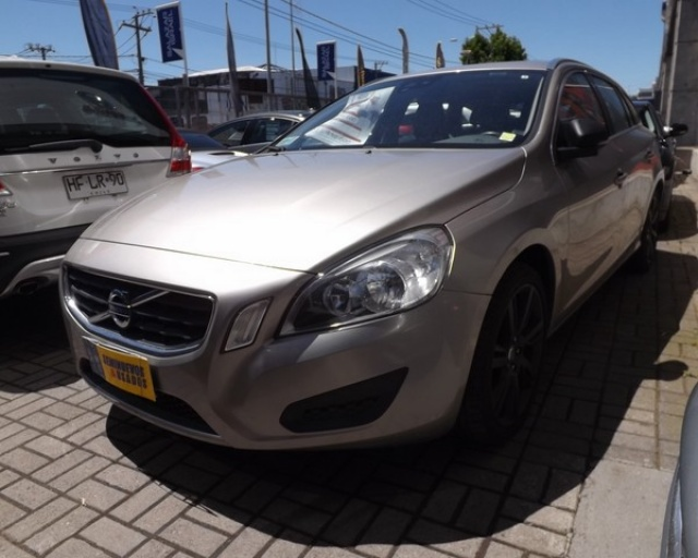 VOLVO V60  T6 PLUS AWD AUT 2012