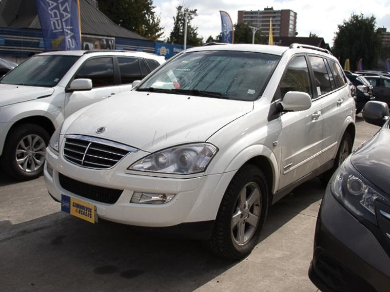 SSANGYONG KYRON NEW  XDI FULL 4X4 2.0 AT 2012
