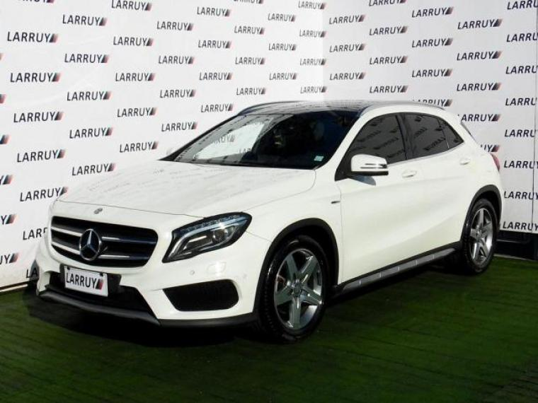 MERCEDES BENZ GLA 220 2015