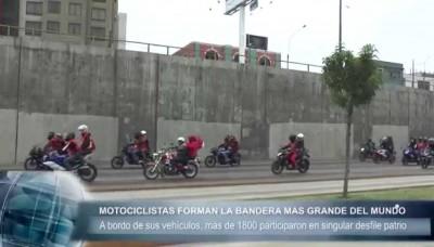 Fiestas Patrias: Motociclistas formaron la bandera peruana más grande del mundo