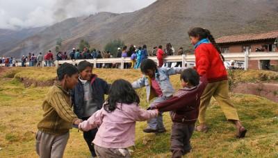 Qali Warma entrega alimentos a miles de escolares en Cusco