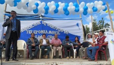 Habitantes de San José de Lourdes, en Cajamarca, acceden por primera vez a telefonía móvil