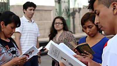 ¿Por qué perdemos el tiempo leyendo?: Un conversatorio sobre el gusto por la lectura