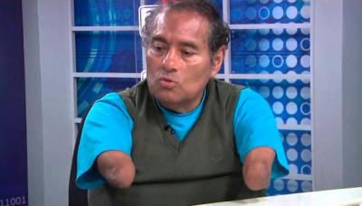 Entrevista con Félix Espinoza, el pintor que hace arte con su boca