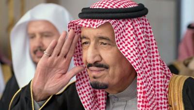 Nuevo rey saudí regala 32,000 millones de dólares a su pueblo