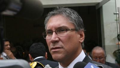 Ex ministro Aurelio Pastor es condenado a 4 años de prisión efectiva
