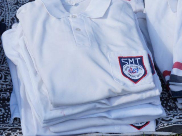 Feria de uniformes en el Día de la Familia