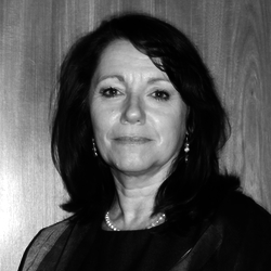 Lic. María Teresita Van Strate