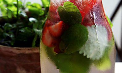 Receita de Água Aromatizada com Morango Limão e Menta