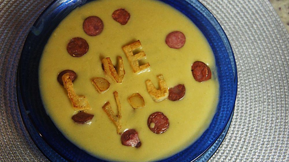 Receita de Sopa de Ervilha com Linguicinha Defumada