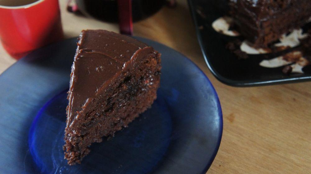 Bolo de Chocolate Mágico com Cobertura de Ganache