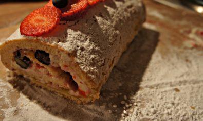 Receita de Rocambole de Morango e Blueberry