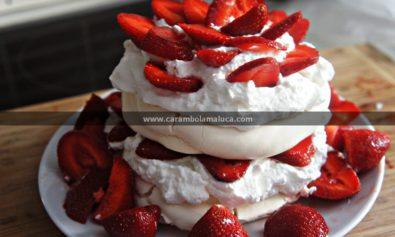 Torta de Merengue e Morango
