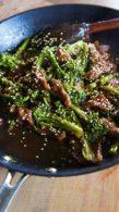 Receita de Bife de Alcatra com Brocolis, Gengibre e Gergelim (à chinesa)