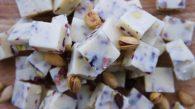 Receita de Fudge de Chocolate Branco com Cranberry e Pistache