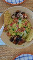 Receita de Espaguete com Pesto de Abacate e Manjericão