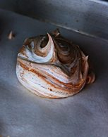 Pavlova de Chocolate Marmorizada