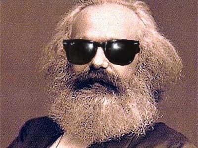 Liberalismo ou Comunismo? Adam Smith ou Karl Marx?