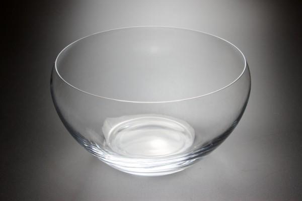 Um pote de vidro redondo é côncavo e convexo ao mesmo tempo