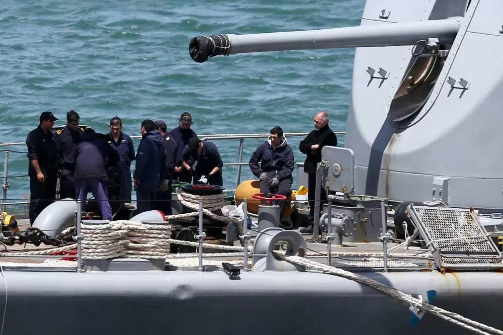 Como será o resgate dos tripulantes do submarino desaparecido?