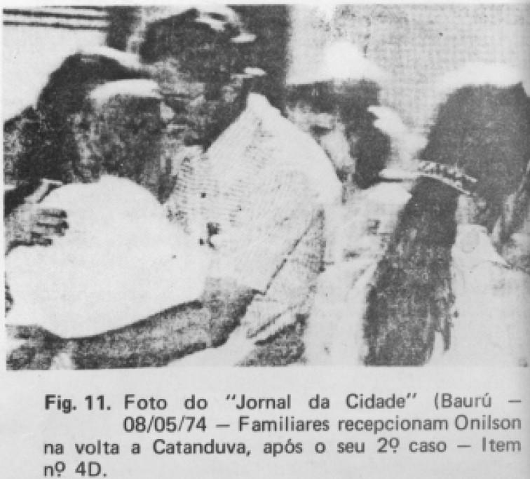 Reencontro de Onilson e seus familiares, documentado por jornalistas