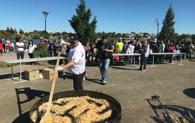 Trelew paella solidaria 2018 %283%29