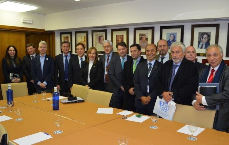 2 fehgra y referentes argentinos en la omt