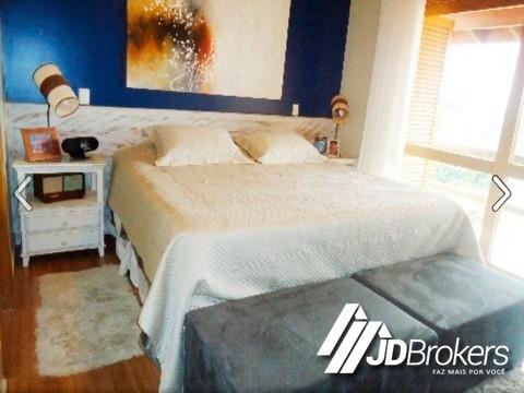 Casa de 3 dormitórios em Pinheiro, Valinos - SP