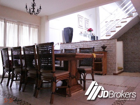 Casa de 3 dormitórios em Traviu, Jundiai - SP