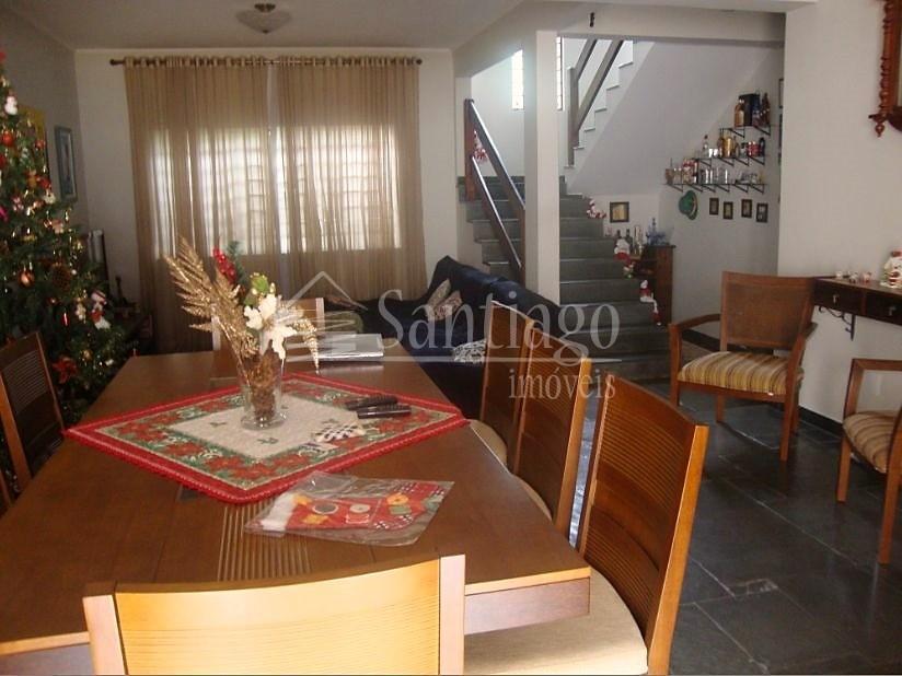 Casa de 4 dormitórios em Proença, Campinas - SP