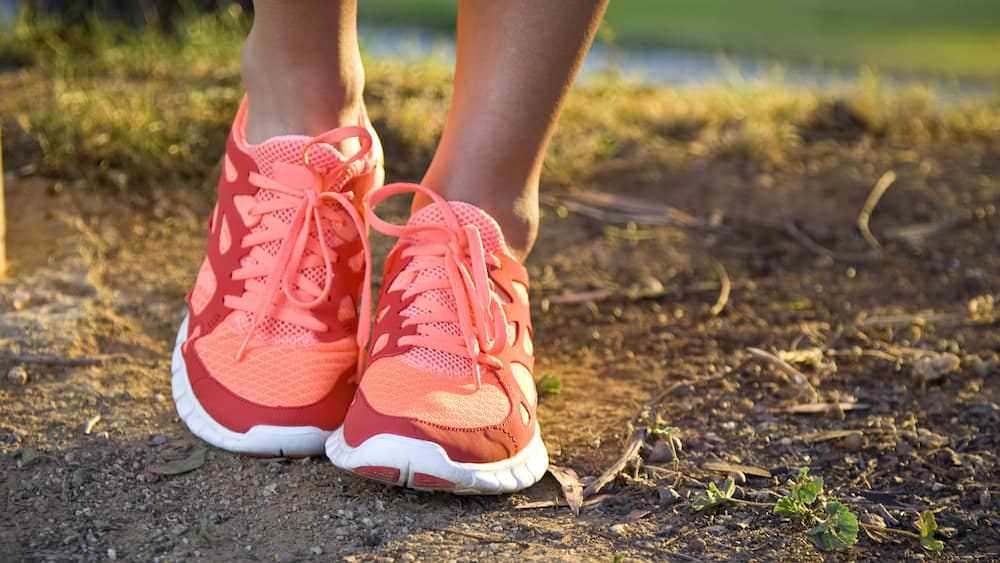 Dicas de Saúde: Como evitar bolhas nos pés.