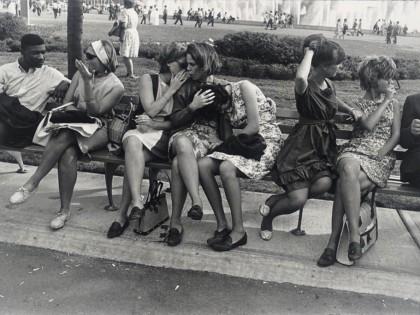 Garry Winogrand. New York World's Fair, 1964.