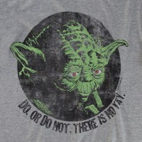 Camiseta Feminina Star Wars Yoda Do or Do Not