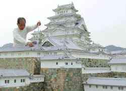 nn20070627f2a O homem e seu castelo