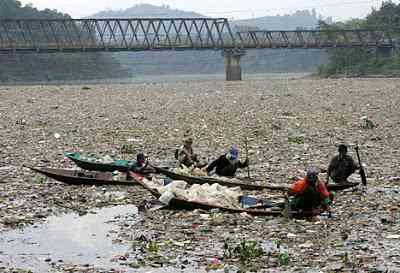 plasticrubbish3R 468x319 O rio mais poluído do mundo