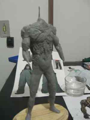 CIMG2590 Um boneco em 24 horas   O homem planta