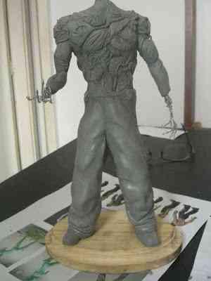 CIMG2603 Um boneco em 24 horas   O homem planta