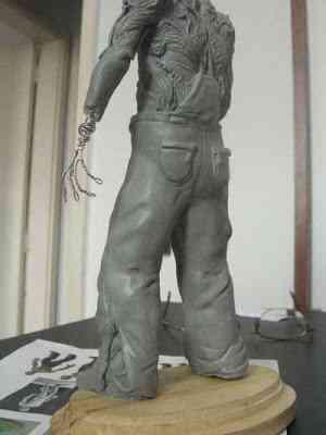 CIMG2605 Um boneco em 24 horas   O homem planta