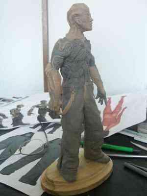 CIMG2619 Um boneco em 24 horas   O homem planta