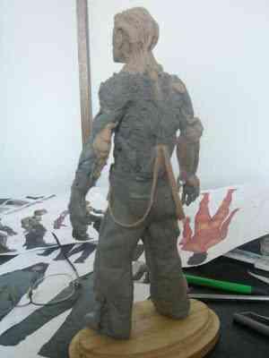 CIMG2621 Um boneco em 24 horas   O homem planta