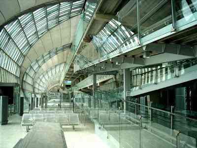 bangkok airport inside Aeroportos escalafobéticos ( bizarrões mesmo)