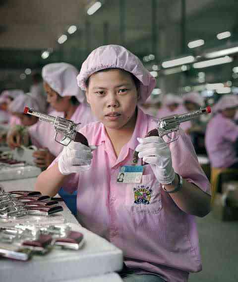 chinatoyfactory04 Uma fábrica de brinquedos na China