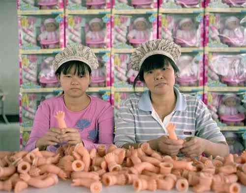chinatoyfactory13 Uma fábrica de brinquedos na China