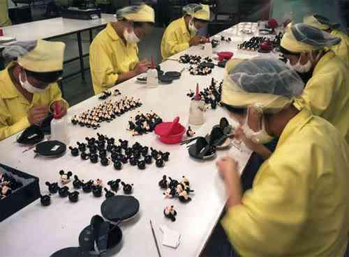chinatoyfactory16 Uma fábrica de brinquedos na China